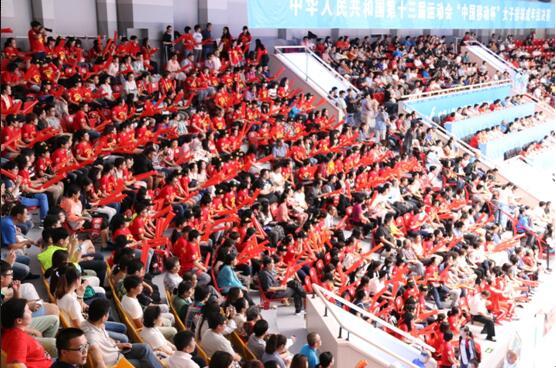 图:惠若琪粉丝组成的红色助威方阵.jpg