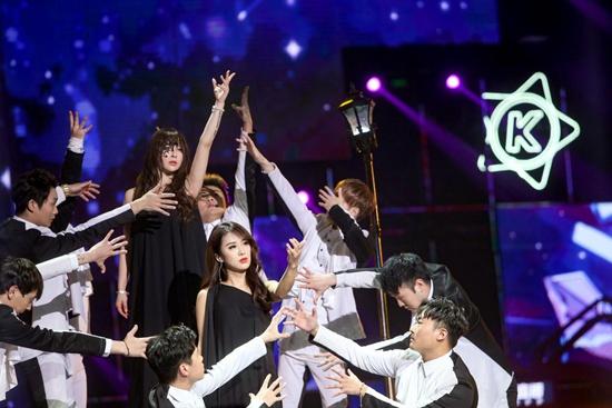 包揽亚虎国际娱乐官网大奖,李宇春当众爆料:2018巡演或在广州举行!