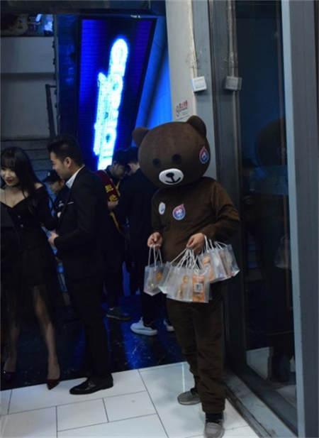 每屏秀秀联手滴滴:覆盖京城百家秀场,打造互联网化的娱乐场景