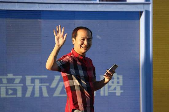 《中国音乐公告牌》成熟商业模式,培养粉丝打得一手好卡