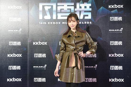 """王心凌暌违9年再登《红白大赏》 17首串烧上演""""回忆杀"""""""