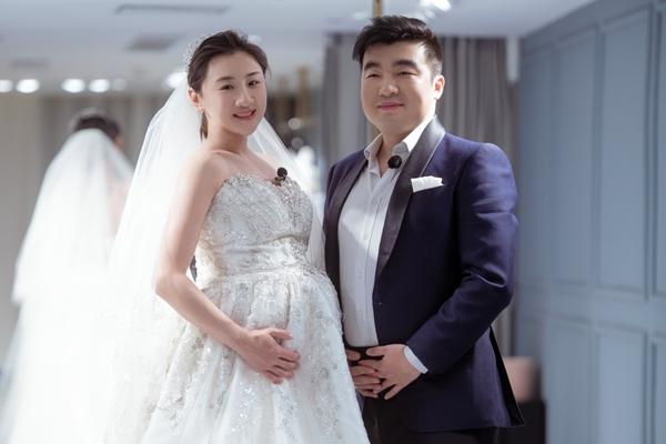 《婚前21天》何雯娜孕肚婚纱照首曝光 幸福状态满分