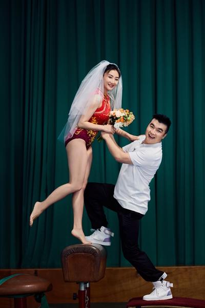 《婚前21天》何雯娜穿奥运体操服拍婚纱照 身材绝佳