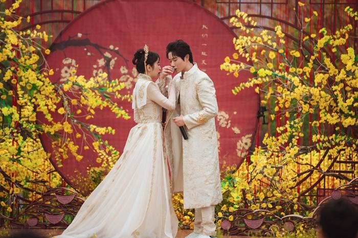 《婚前21天》李嘉铭刘泳希举办古风婚礼 古筝钢琴合奏《权御天下》
