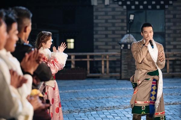 《女儿3》金莎粉色藏族服饰吸睛 耿斯汉心动献唱情歌