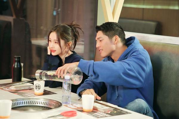 《怦然再心动》吴永恩带王子文见家人 开启互夸模式获得家人认可
